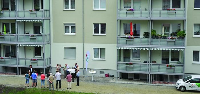 Balkonanbau Friedenstraße 92-94 Finsterwalde / Mit Video